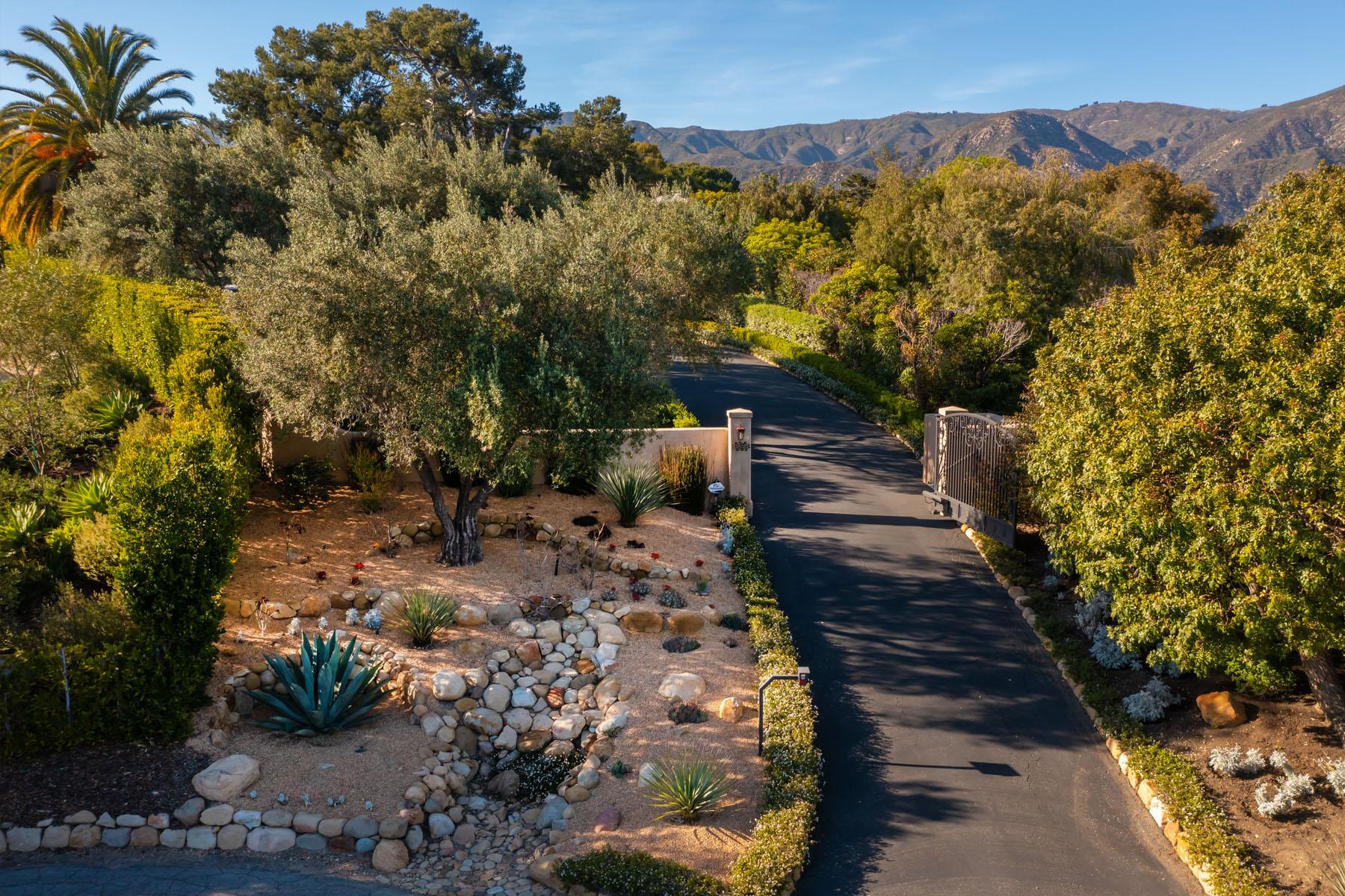 El Rancho entrance