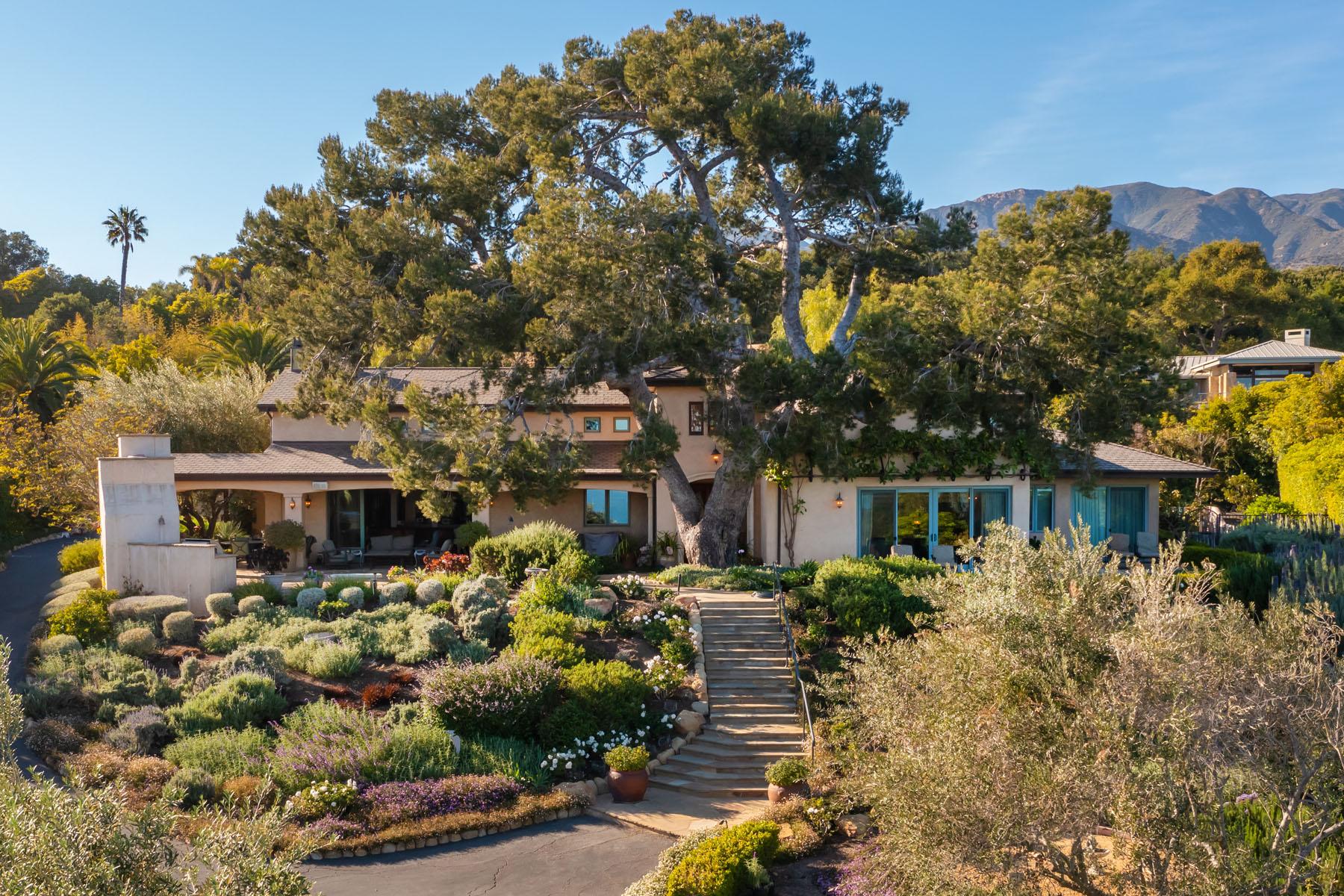 El Rancho exterior; Hope Ranch