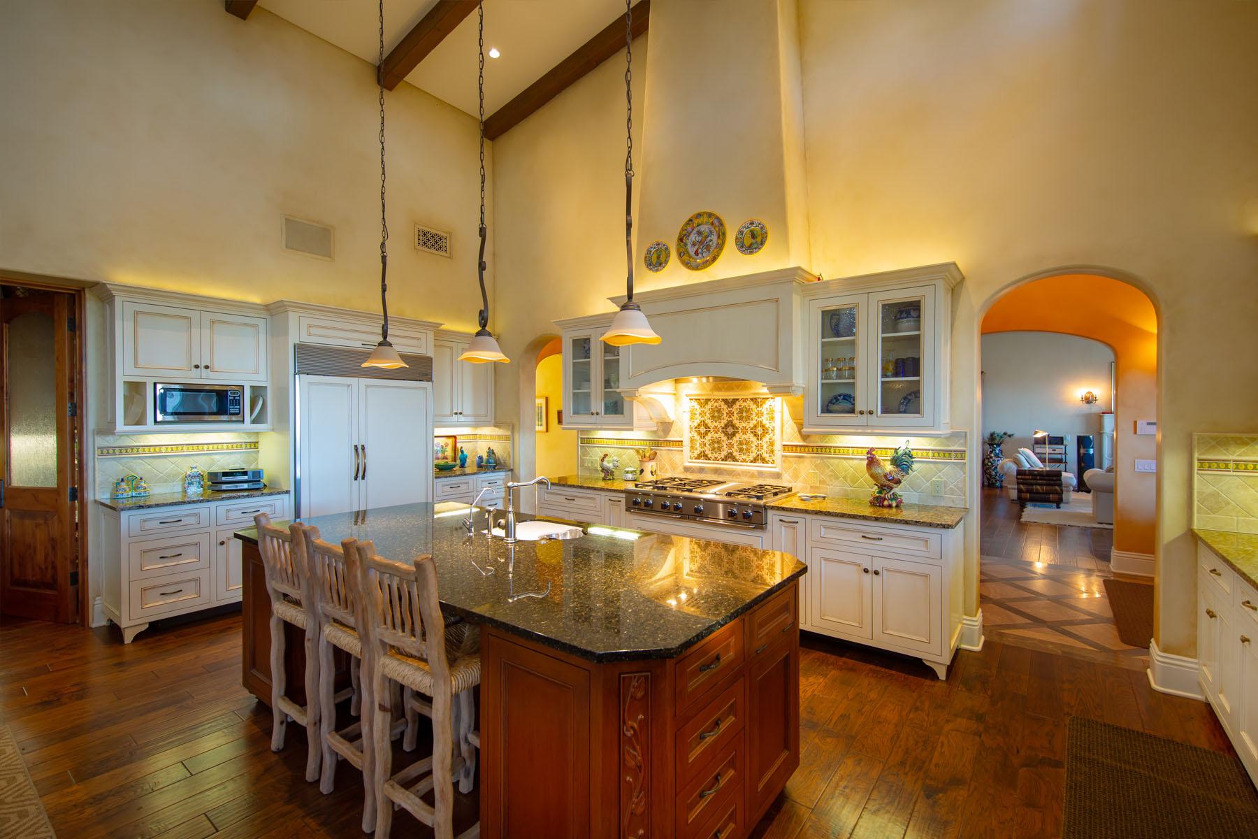 El Rancho kitchen