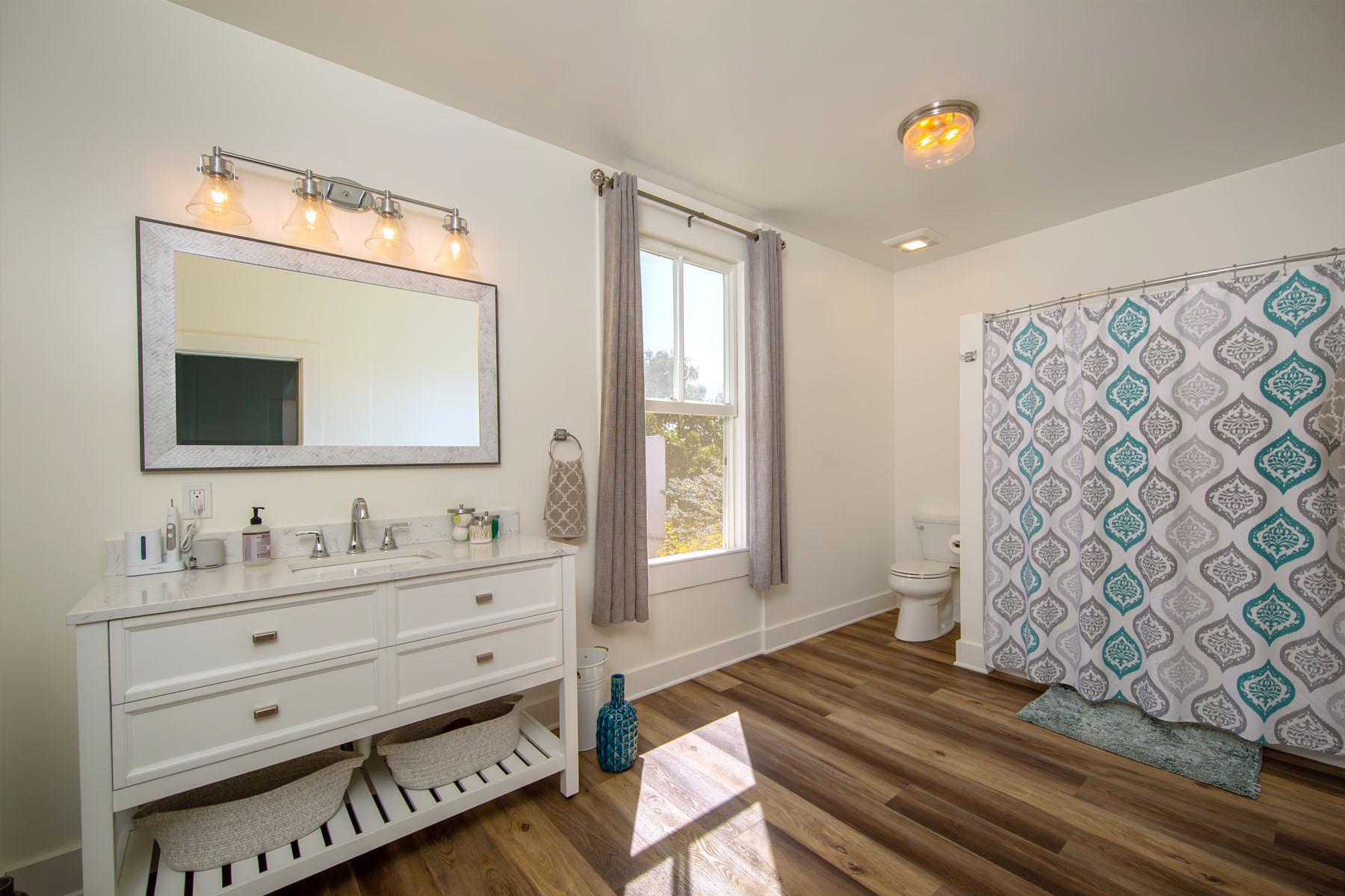 Laurel home bathroom
