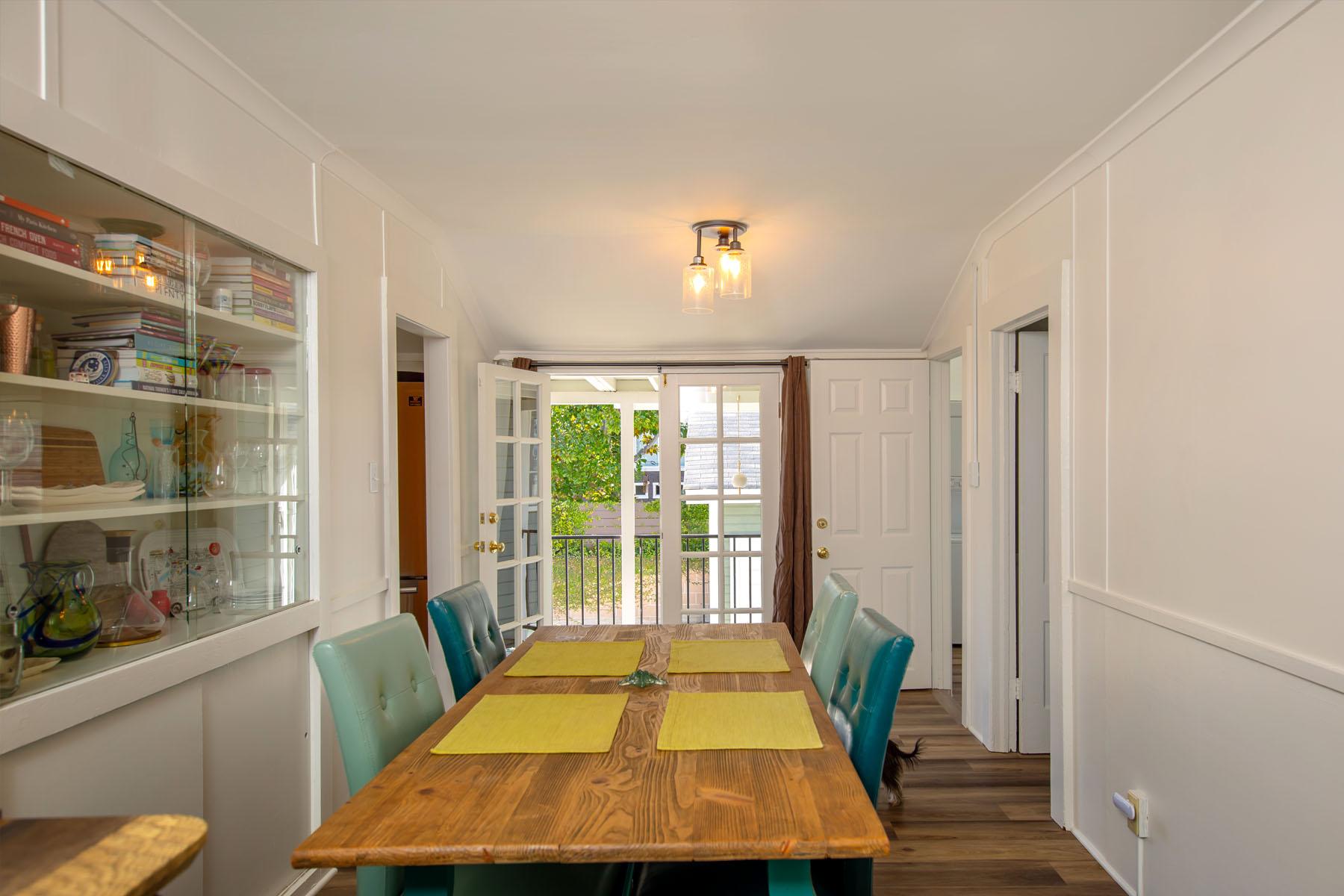 Laurel home dining room