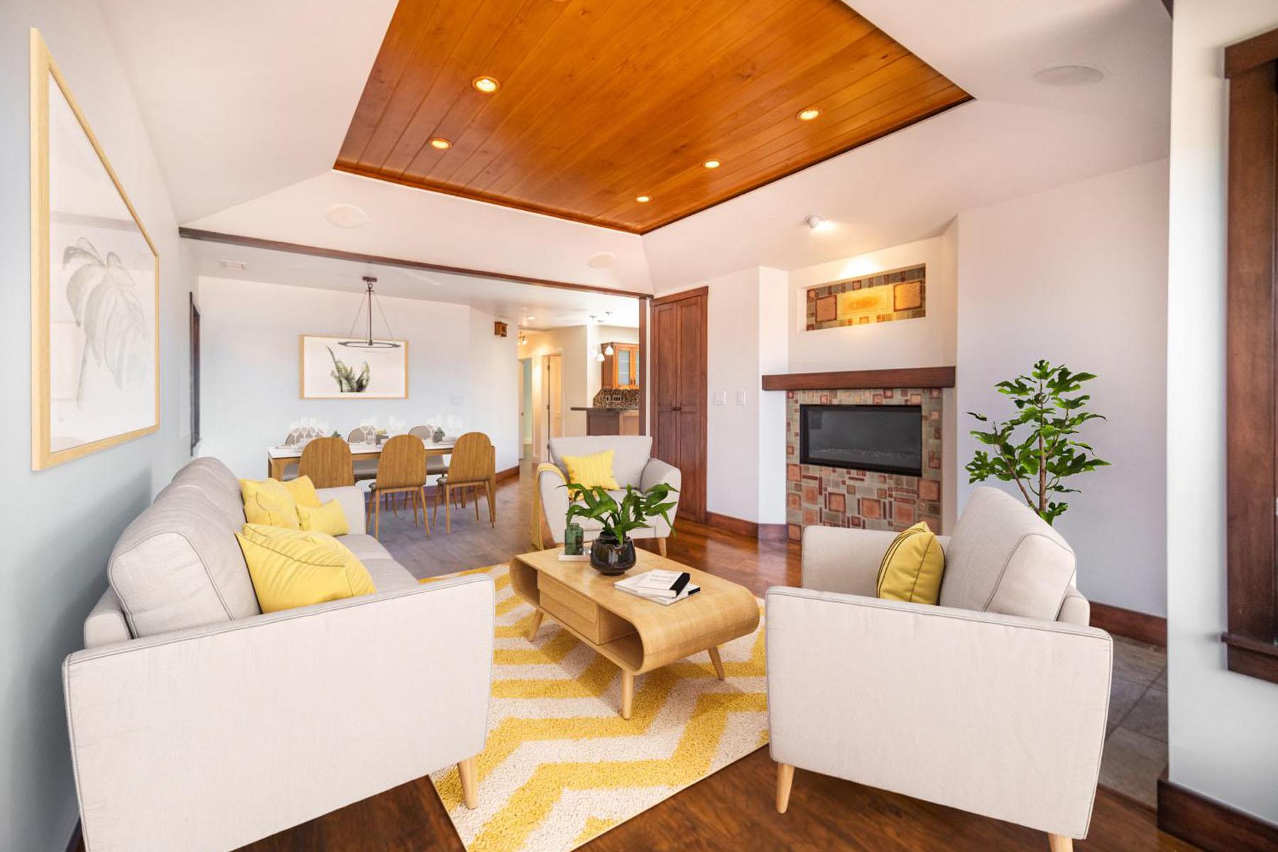 Strand living room