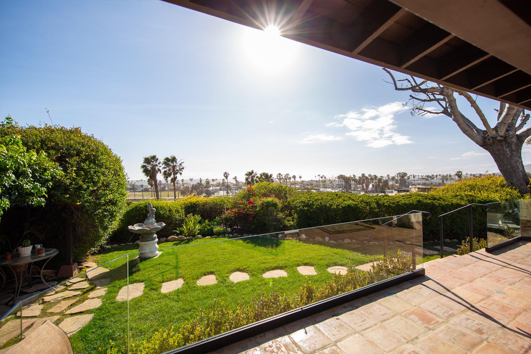 Vista del Mar patio view